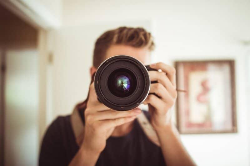 איך בוחרים צלם מגנטים?