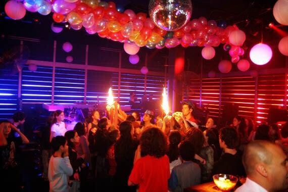 מסיבת בת מצווה במועדון