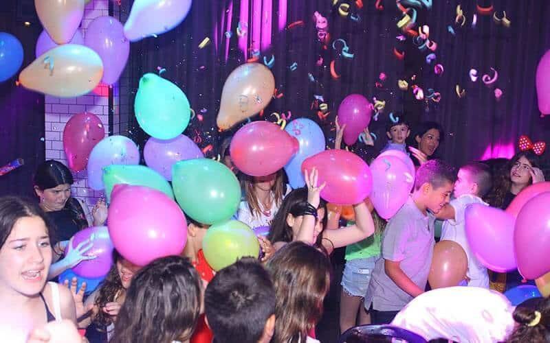 מסיבת בר מצווה במועדון